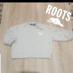 Roots. Sweater.